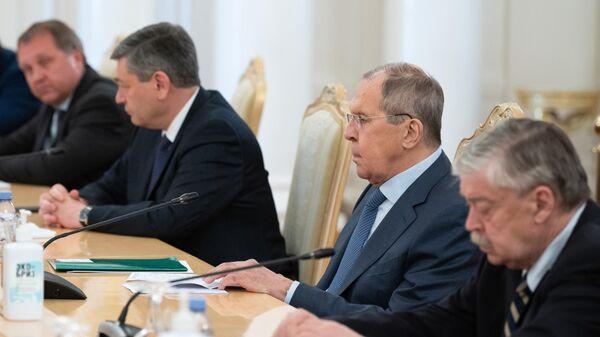 Министр иностранных дел России Сергей Лавров во время встречи в Москве с министром иностранных дел Белоруссии Владимиром Макеем