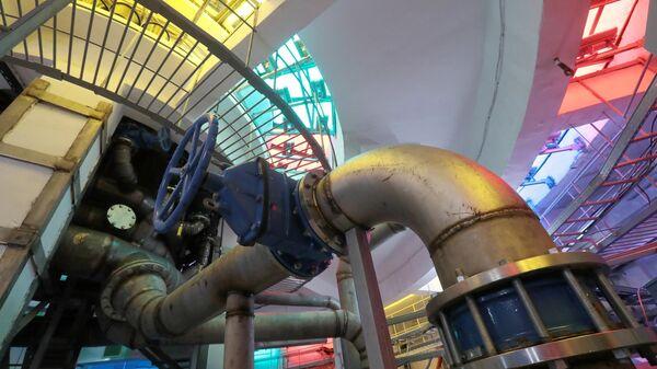 Машинный зал с гидротехнической системой фонтана Каменный цветок на ВДНХ в Москве