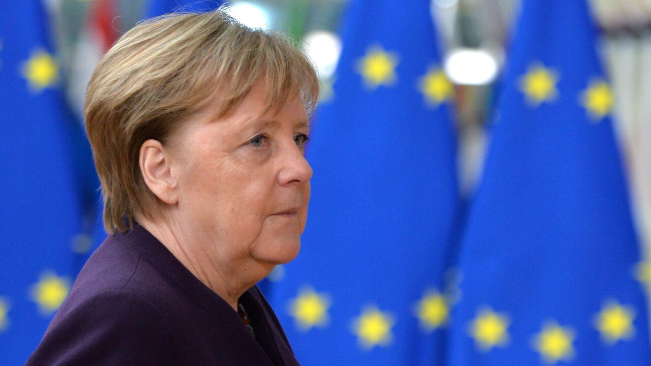В Киеве обвинили Меркель в сдаче интересов Украины