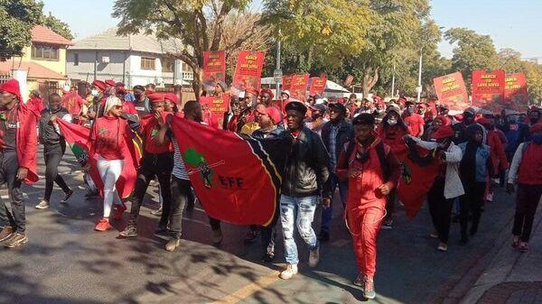 Протесты с требованием зарегистрировать Спутник V в ЮАР