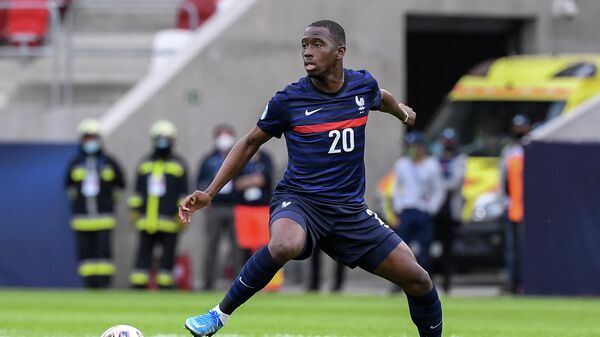 Полузащитник Лестера и сборной Франции по футболу Бубакари Сумаре