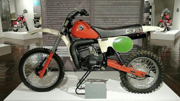 Выставка мотоциклов Два колеса в музее Суздальского кремля