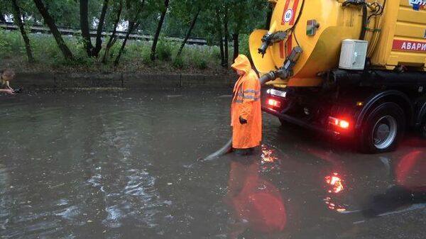 Москву очистили от завалов после сильнейшего урагана