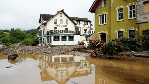 Общий вид зоны, пострадавшей от наводнения после проливных дождей в Шульде, Германия