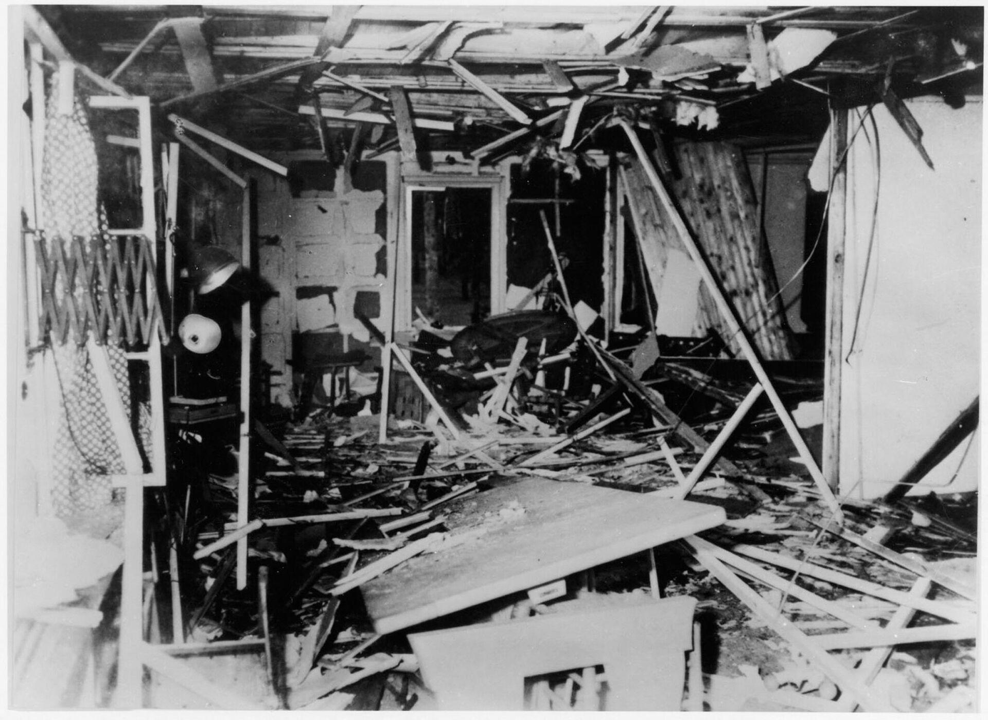 Последствия взрыва в ставке Адольфа Гитлера Волчье логово - РИА Новости, 1920, 20.07.2021