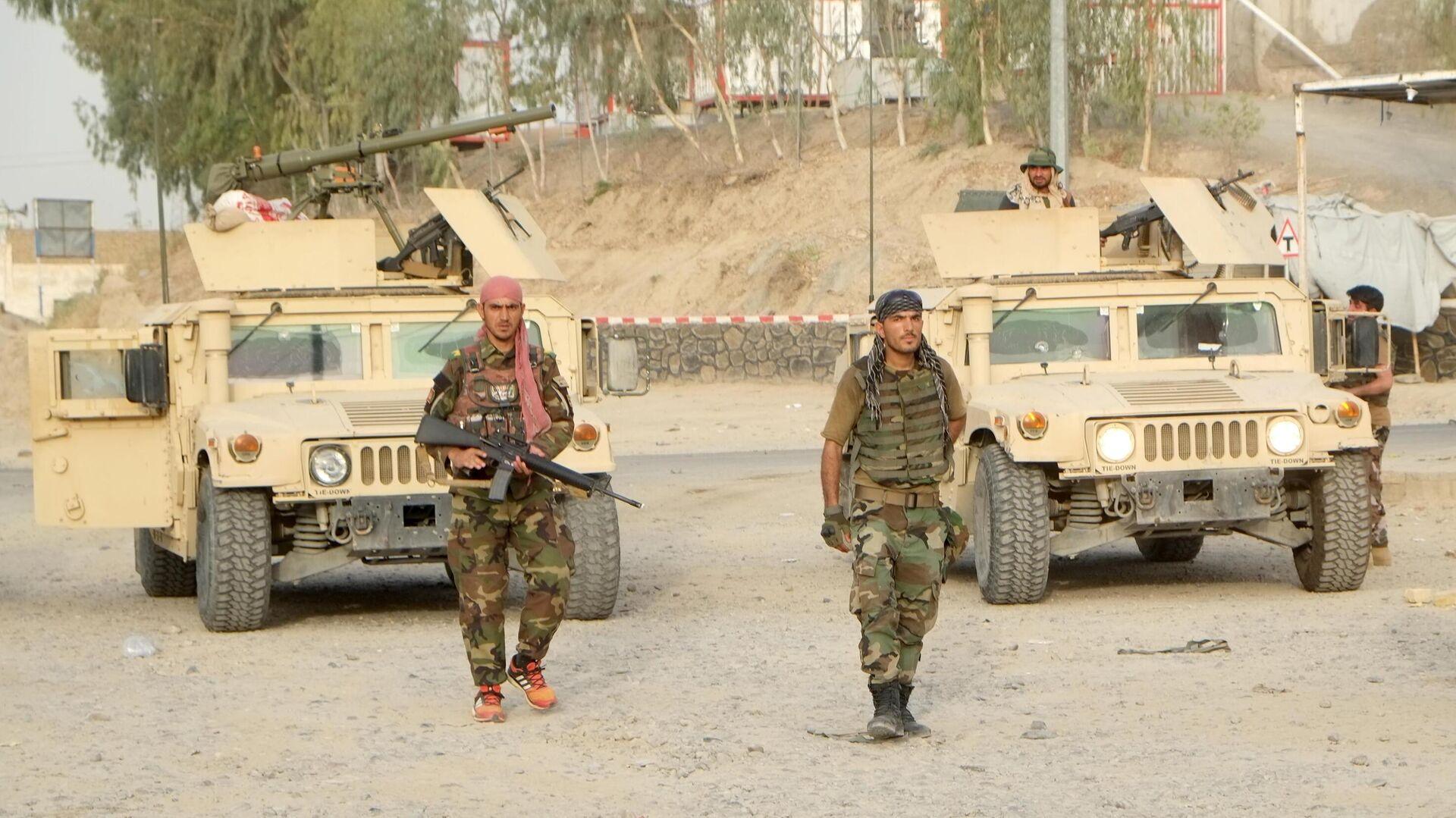 Военнослужащие правительственных войск Афганистана на линии соприкосновения с Талибами - РИА Новости, 1920, 23.07.2021