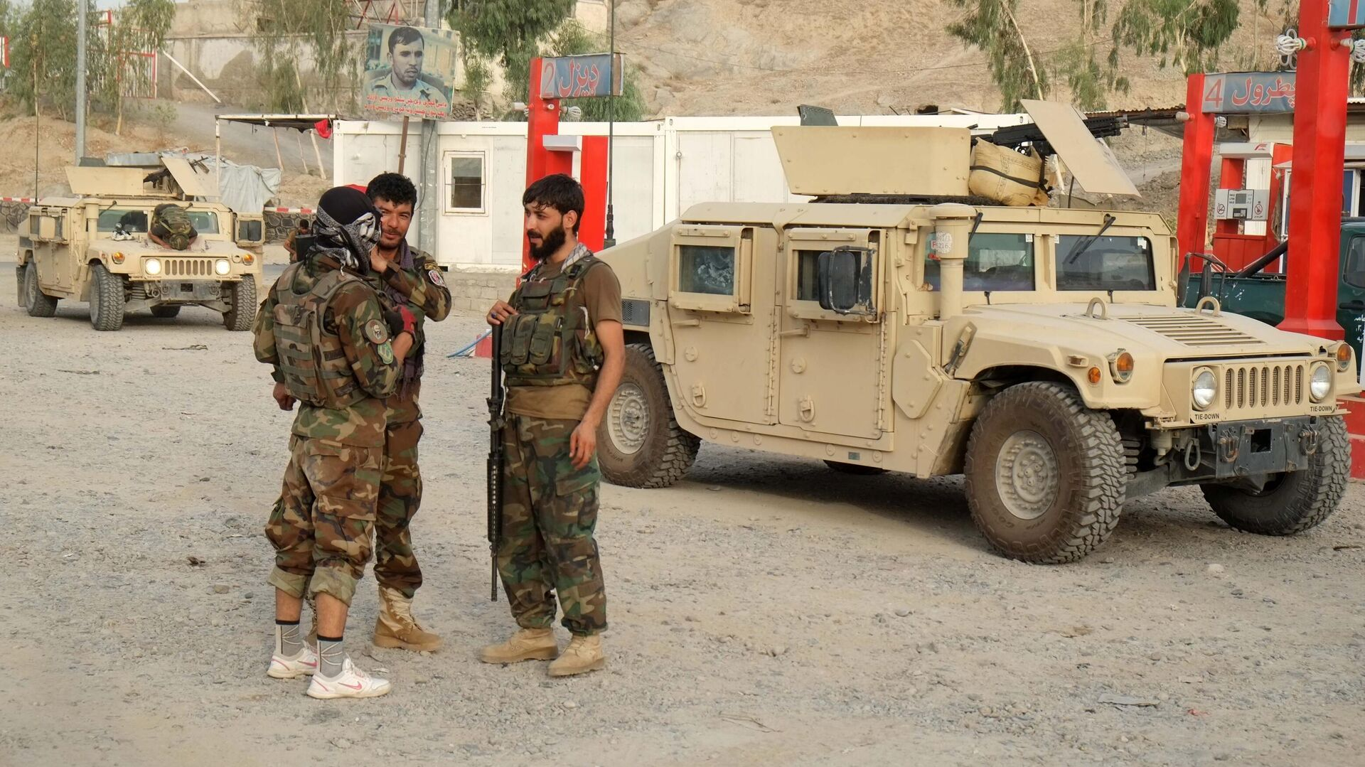Военнослужащие правительственных войск Афганистана на линии соприкосновения с Талибами* - РИА Новости, 1920, 27.07.2021