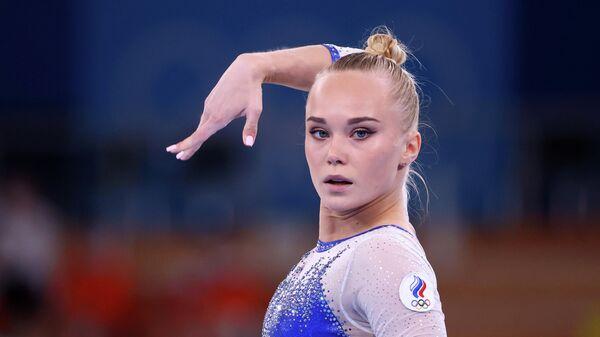 Российская спортсменка, член сборной России (команда ОКР) Ангелина Мельникова перед выступлением в командном многоборье среди женщин на соревнованиях по спортивной гимнастике на XXXII летних Олимпийских играх в Токио