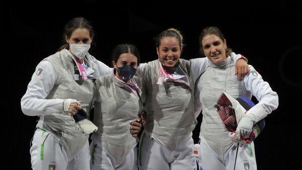 Итальянские рапиристки Эрика Чипресса, Арианна Эрриго, Мартина Батини и Аличе Вольпи (слева направо) на Олимпиаде в Токио