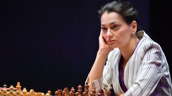 Шахматы. Женщины. Первый этап Гран-при