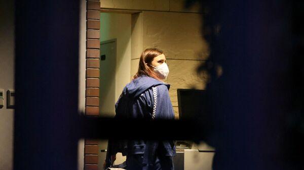 Белорусская легкоатлетка Кристина Тимановская около в посольства Польши в Токио