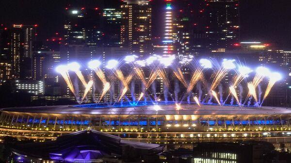 Салют на олимпийском стадионе в Токио