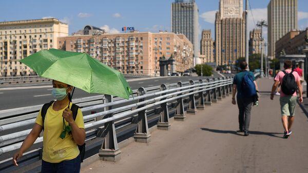 В Москве летом была персиковая погода, заявил синоптик