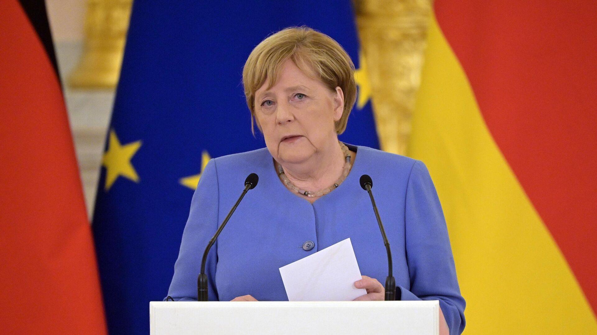 Федеральный канцлер Германии Ангела Меркель во время совместной с президентом РФ Владимиром Путиным пресс-конференции - РИА Новости, 1920, 11.09.2021