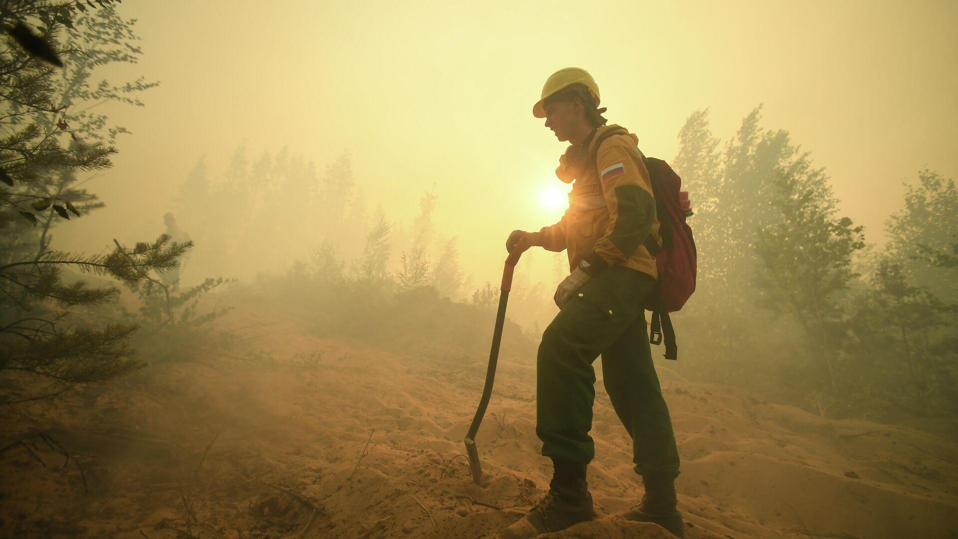 В Якутии за сутки потушили десять природных пожаров