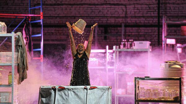 Спектакль Он в Аргентине в рамках фестиваля Арт-Овраг