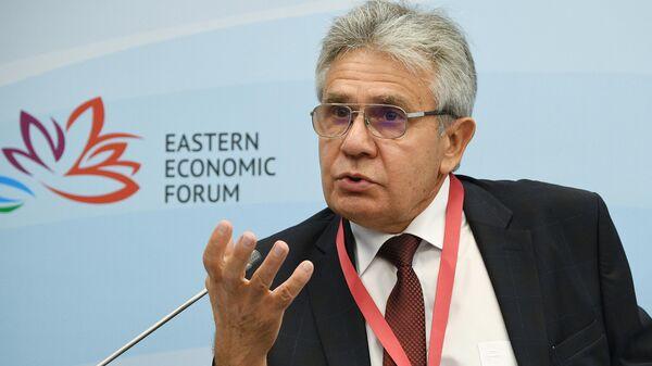 Президент Российской академии наук (РАН) Александр Сергеев на Восточном экономическом форуме во Владивостоке