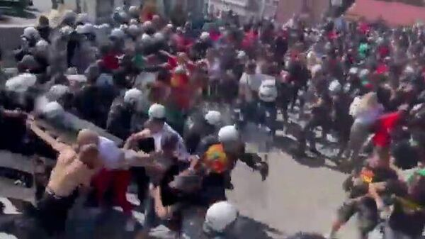 Столкновения полиции с местными националистами в Черногории