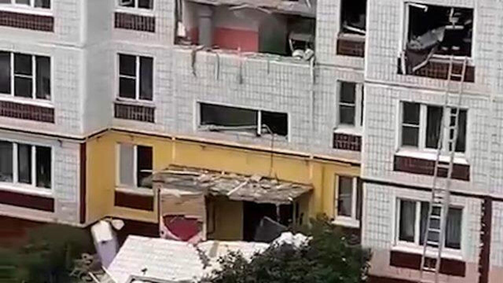 МЧС проверяет информацию о взрыве газа в жилом доме в Екатеринбурге