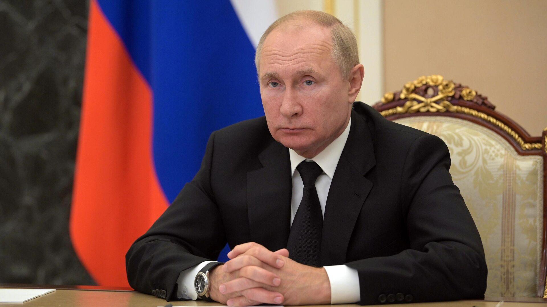 Опрос ВЦИОМ: Путину доверяют 64,6 процента россиян