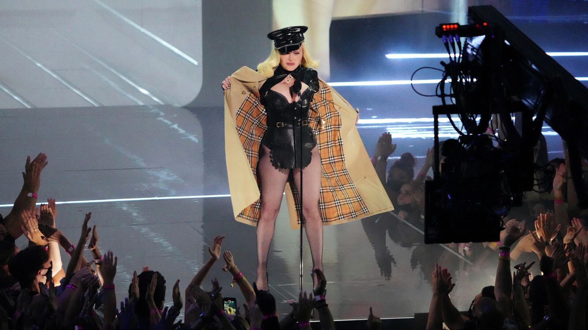 Мадонну раскритиковали за откровенный наряд на MTV Video Music Awards - РИА  Новости, 13.09.2021