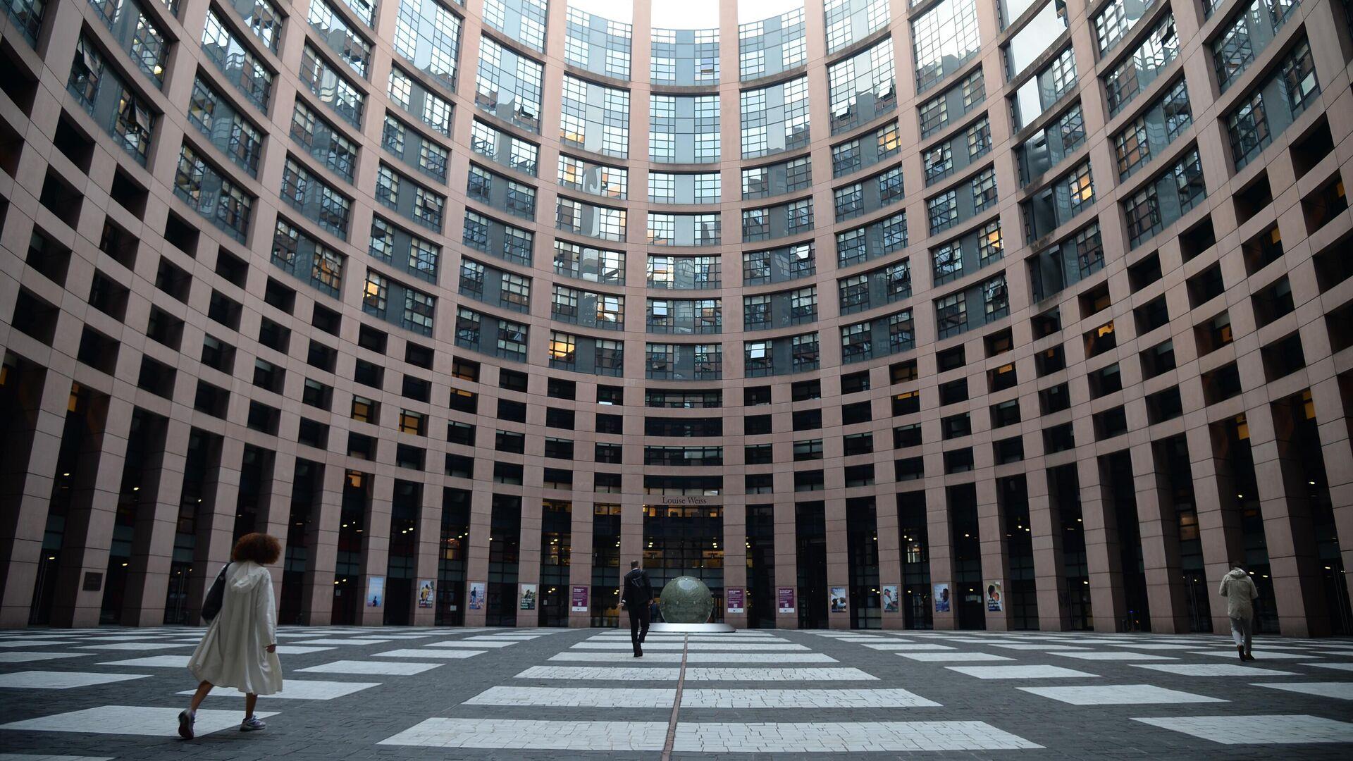 Европарламент призвал ЕС готовиться к миграционному кризису из-за ситуации в Афганистане