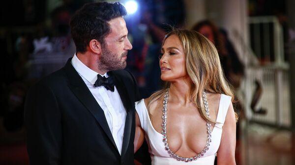 Дженнифер Лопес и Бен Аффлек на 78-м Венецианском кинофестивале в Италии