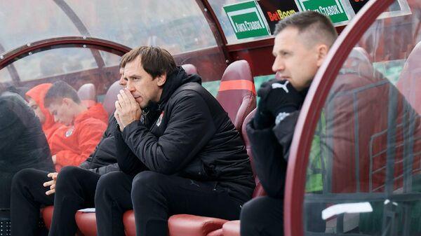 Тренер Химок Валерий Климов (слева)