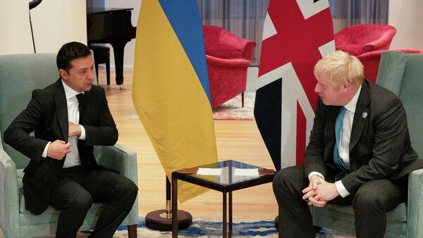 Президент Украины Владимир Зеленский на встрече с премьер-министром Великобритании Борисом Джонсоном в Нью-Йорке