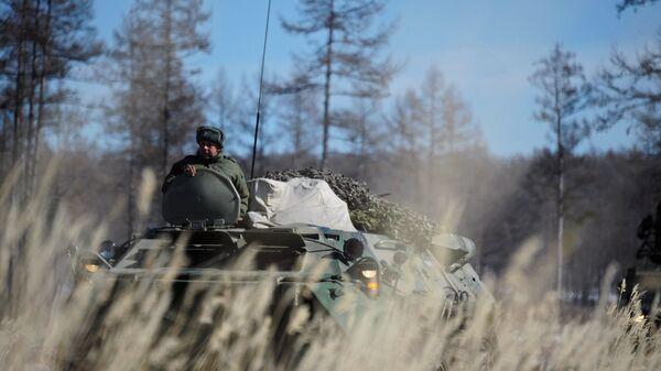 Военнослужащий на учениях войск противовоздушной обороны Восточного военного округа в Бурятии