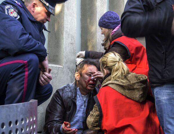 Пострадавший при штурме здания областного управления Службы Безопасности Украины в Луганске