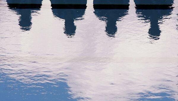 Бассейн. Архивное фото