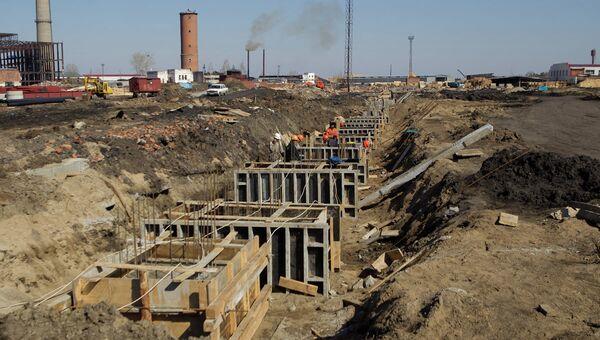 Стройка на территории ЗАО Роскитинвест близ города Асино Томской области, архивное фото
