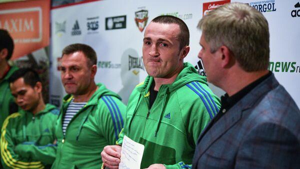 Андрей Рябинский (справа) и Денис Лебедев (в центре)