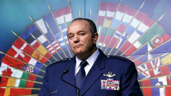 Главнокомандующий силами НАТО в Европе генерал Филип Бридлав