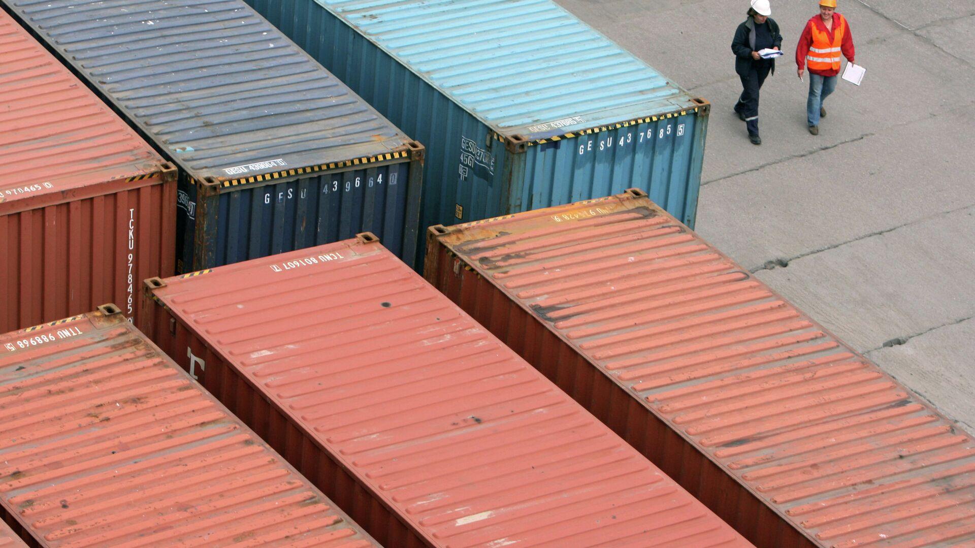 Работа контейнерного терминала Калининградского морского торгового порта - РИА Новости, 1920, 20.06.2021