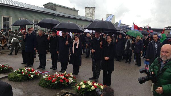 Церемония возложения венков в бывшем лагере Маутхаузен в Австрии. Архивное фото