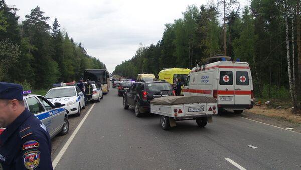 Столкновение автобуса и легковой автомашины в Пушкинском районе Подмосковья. Архивное фото
