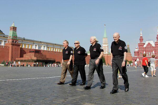 Участники программы Союз - Аполлон на Красной площади