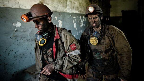 Шахтеры на угольной шахте близ Донецка. Архивное фото