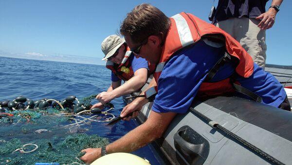 Очистка Тихого океана от мусора в районе Большого мусорного пятна. Архивное фото