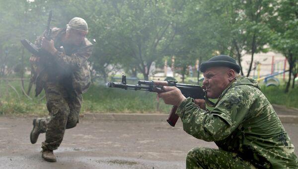 Бойцы народного ополчения. Архивное фото