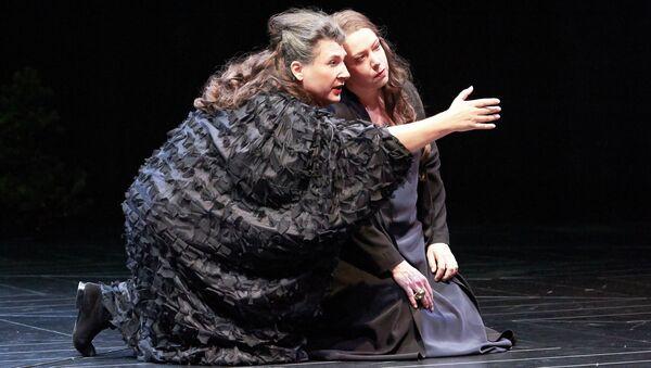 Сцена из оперы Кольцо нибелунга в Венской опере
