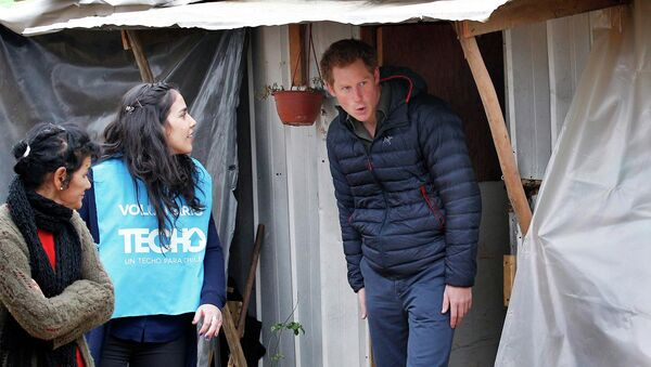 Принц Гарри в чилийской деревне Эль Вергел, пострадавшей от лесных пожаров