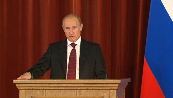 Путин о гибели журналистов на Украине и отказе Порошенко продлить перемирие