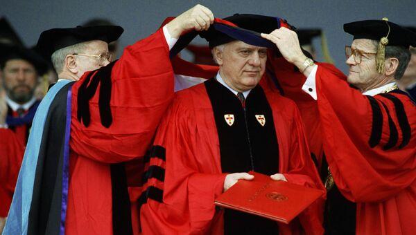 Бывший министр иностранных дел СССР Эдуард Шеварднадзе в Бостонском университете. Архивное фото