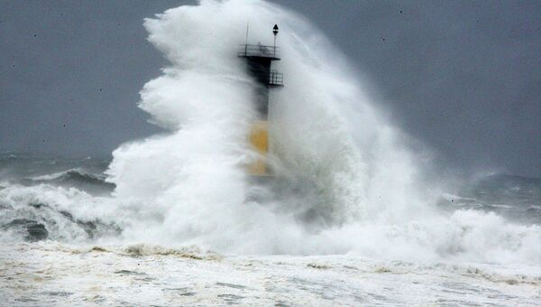 Волны, вызванные тайфуном