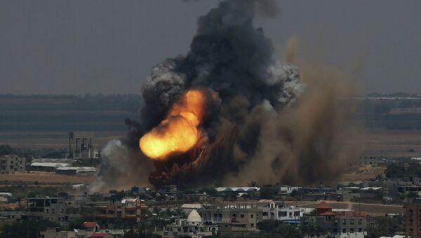 Взрыв в Секторе Газа после израильского авиаудара
