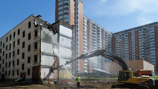 Осмотр хода работ по сносу пятиэтажек в районе Свиблово. Архивное фото