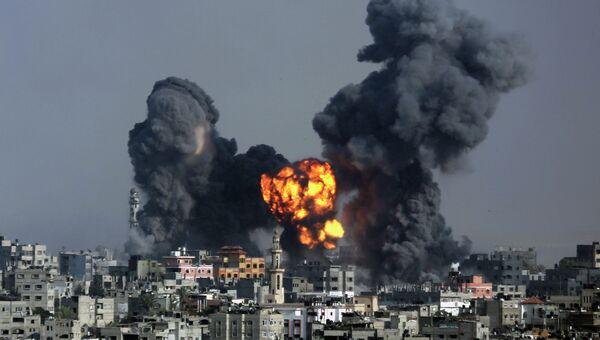 Взрыв после израильского авиаудара по Сектору Газа, Архивное фото